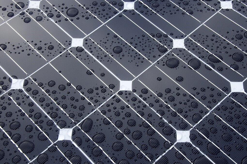 «Мал да удал»: ученые разработали проточную батарею, охлаждающую чипы - 1