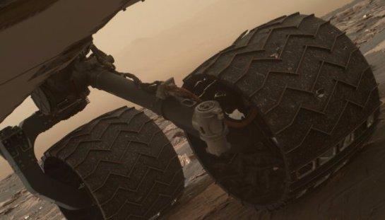 Поверхность Марса беспощадно «убивает» колеса «Кьюриосити»