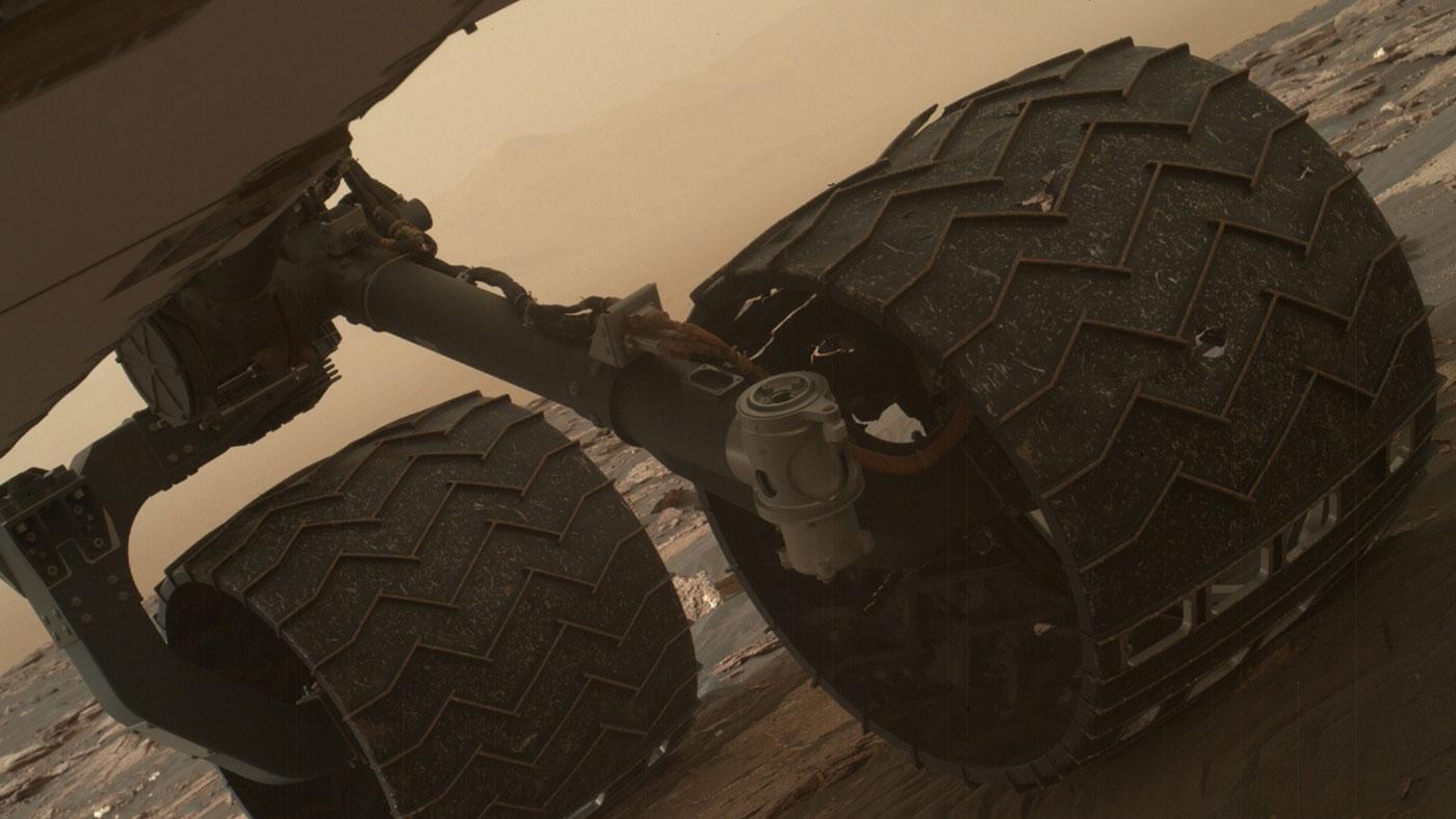 Разрушение колёс Curiosity пока не угрожает миссии марсохода - 1