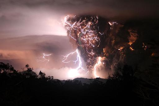 Удивительные вулканические молнии - 5