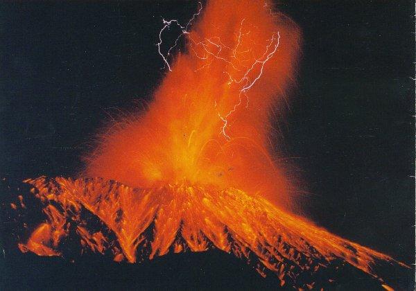 Удивительные вулканические молнии - 6