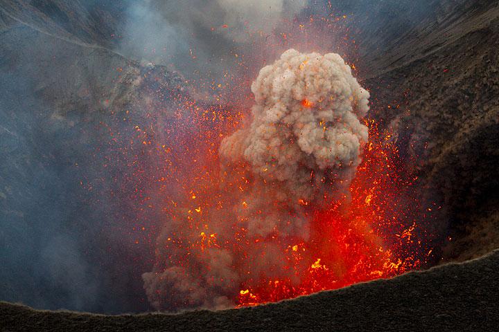 Удивительные вулканические молнии - 9