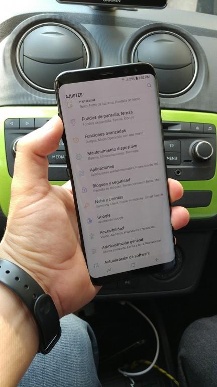 Опубликовано много новых фотографий работающего смартфона Samsung Galaxy S8+