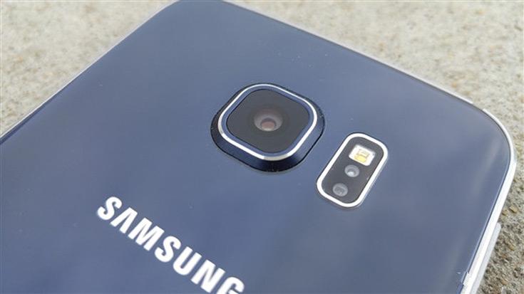 Быстро включить основную камеру S8 можно будет двойным нажатием кнопки питания
