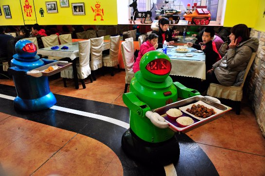 В будущем роботы заберут почти половину рабочих мест на планете