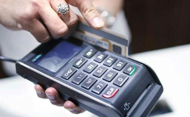Придумана схема обналичивания денег с кредитных карт через ломбарды - 1