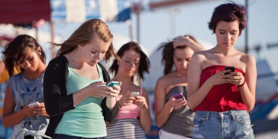 Найден способ борьбы с телефонной зависимостью