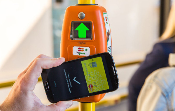 В Иркутске запустили безналичную оплату проезда в городском транспорте - 1