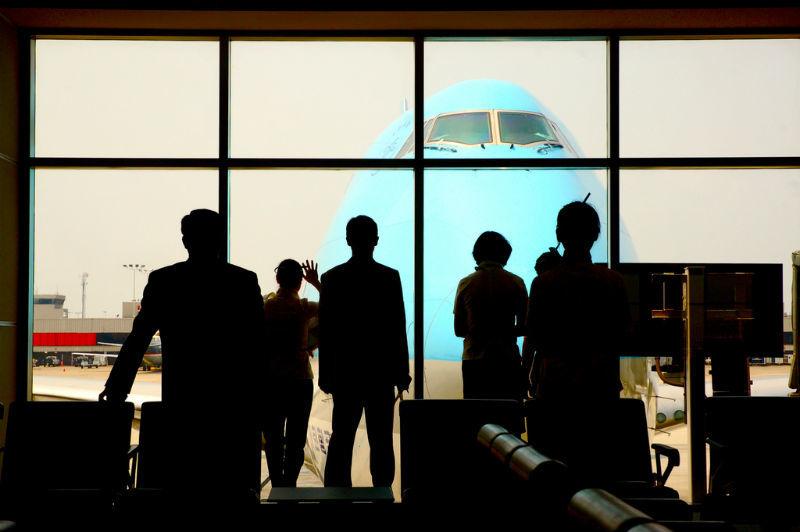 В канадском аэропорту обнаружили устройства для слежки за смартфонами - 1