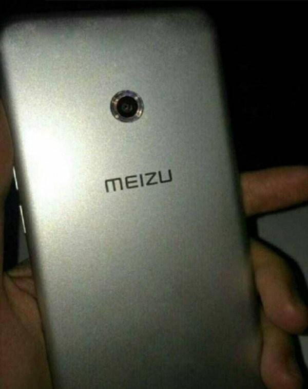 Смартфон Meizu E2 может получить кольцевую вспышку, размещенную вокруг основной камеры