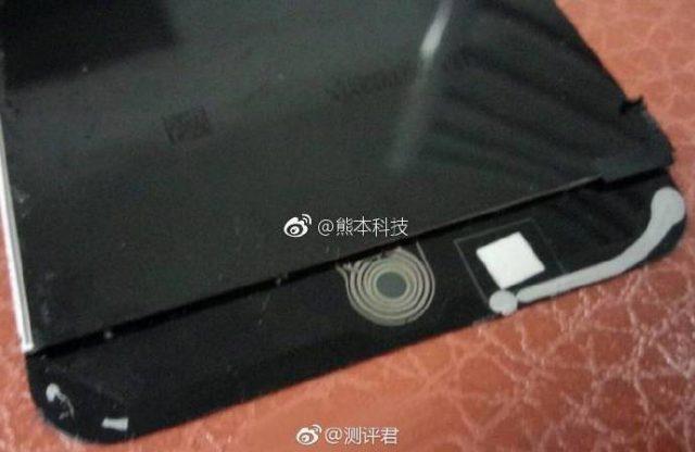Фотография подтверждает наличие ультразвукового дактилоскопического датчика в смартфоне Xiaomi Mi6