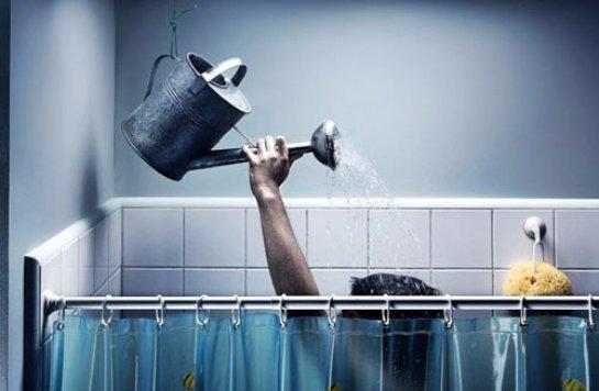 Принимать душ каждый день вредно