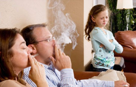 Ученые рассказали, чем грозит для детей пассивное курение