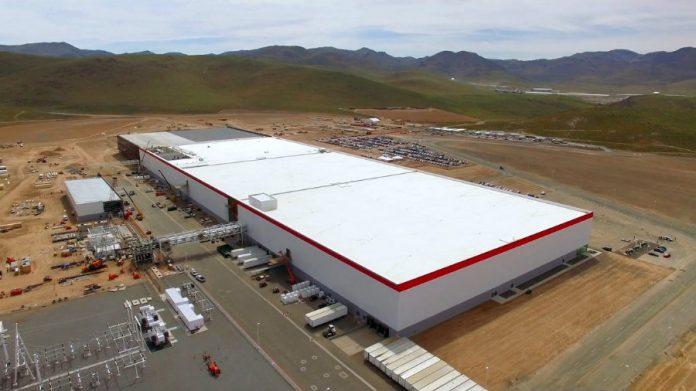 Tesla может построить ещё три Gigafactory