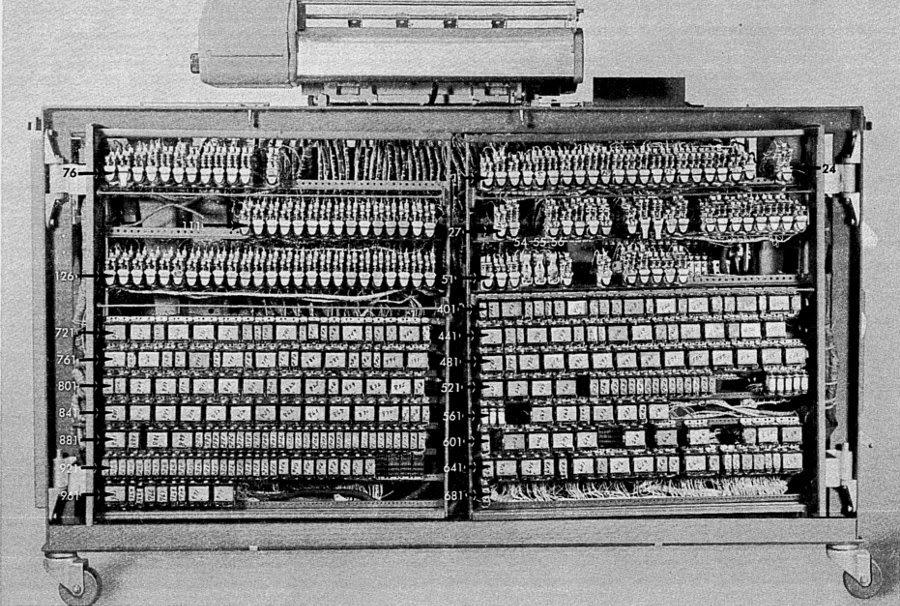 Подготовка налогов в 1950-м году: «программирование» IBM 403 при помощи штекерной панели - 21