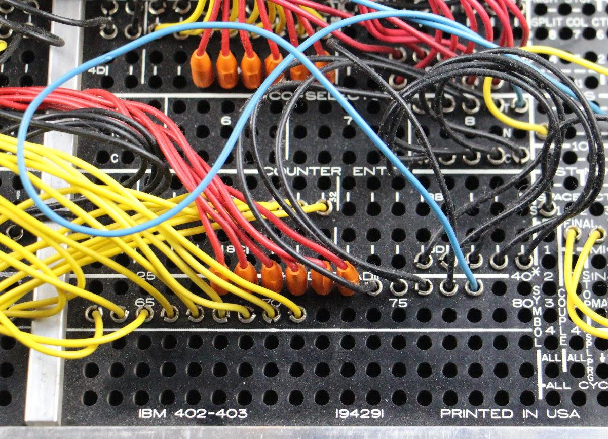 Подготовка налогов в 1950-м году: «программирование» IBM 403 при помощи штекерной панели - 4