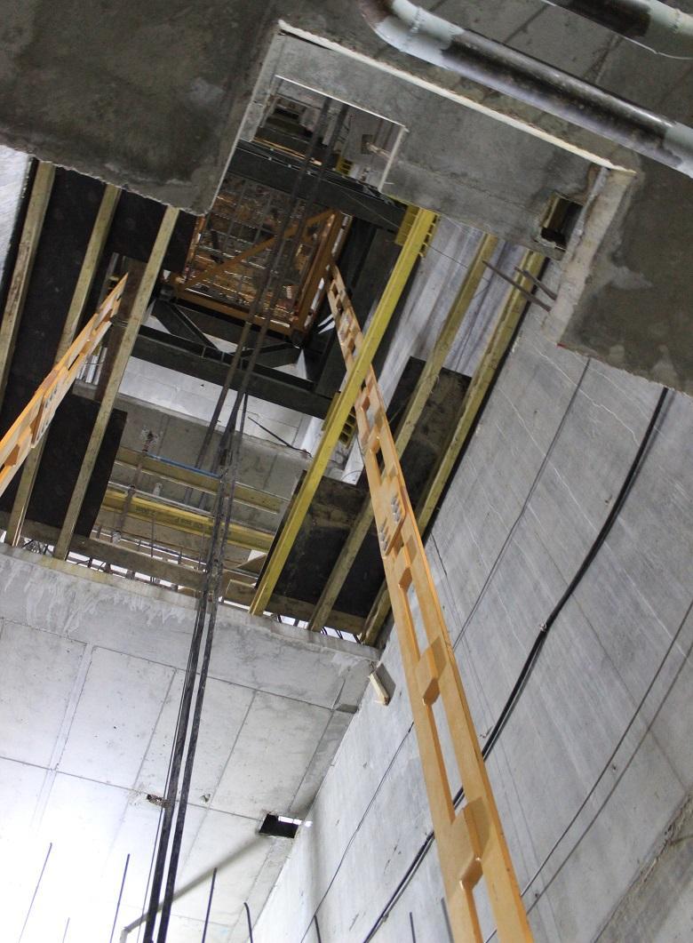 Кран К4 в лифтовом холле