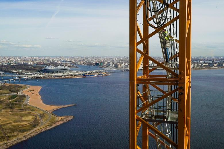 Лестница в башне крана Лахта Центра