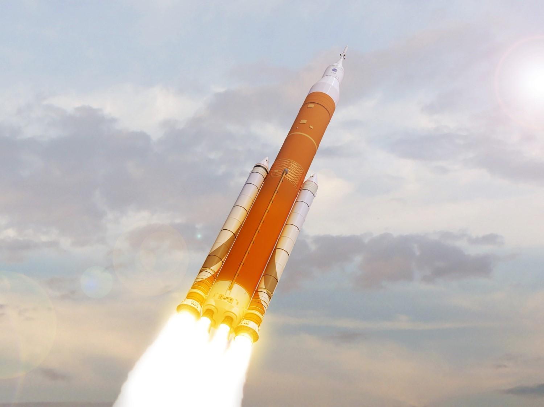 Сверхтяжелая ракета-носитель НАСА подорожает минимум на $500 млн, а ее запуск отложат еще на год - 1