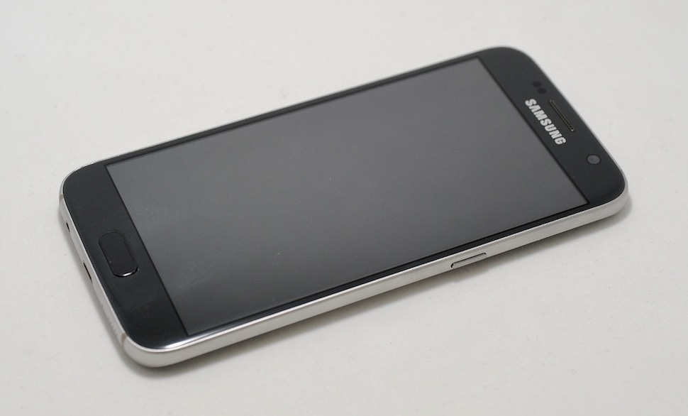 «Дайте два!» Обзор реплик Apple iPhone 7 и Samsung Galaxy S7 - 12