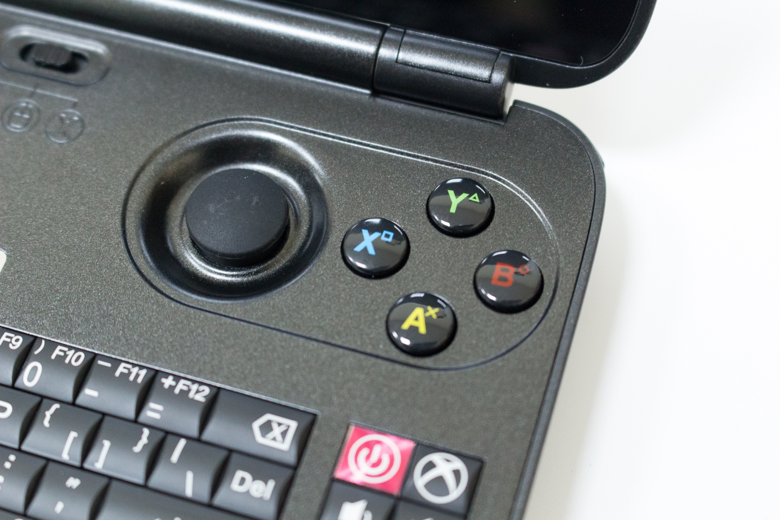 """GPD Win — исследуем миниатюрный ноутбук с диагональю 5.5"""", предназначенный для игр и эмуляторов - 25"""