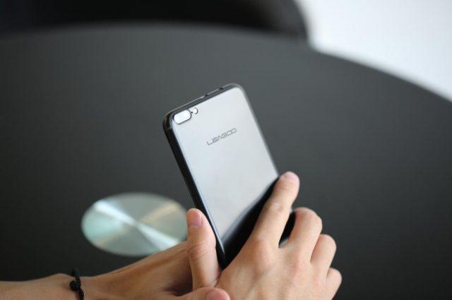Leagoo M7 копирует смартфон iPhone 7 Plus только внешне при цене $79