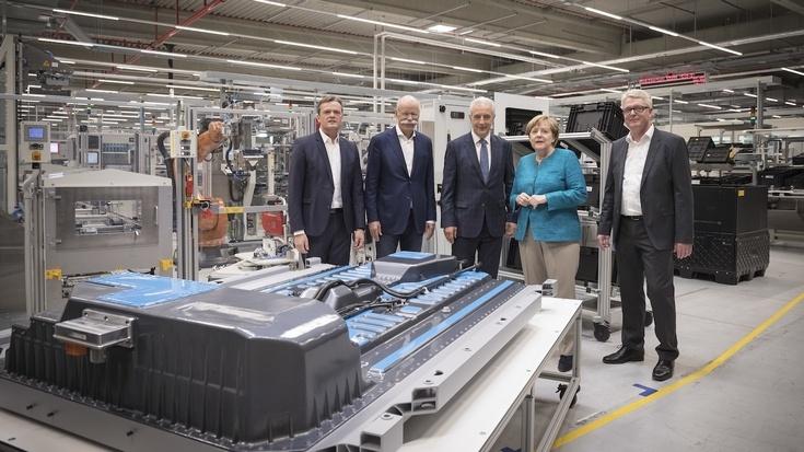 Daimler расширит производственные мощности по выпуску автомобильных АКБ