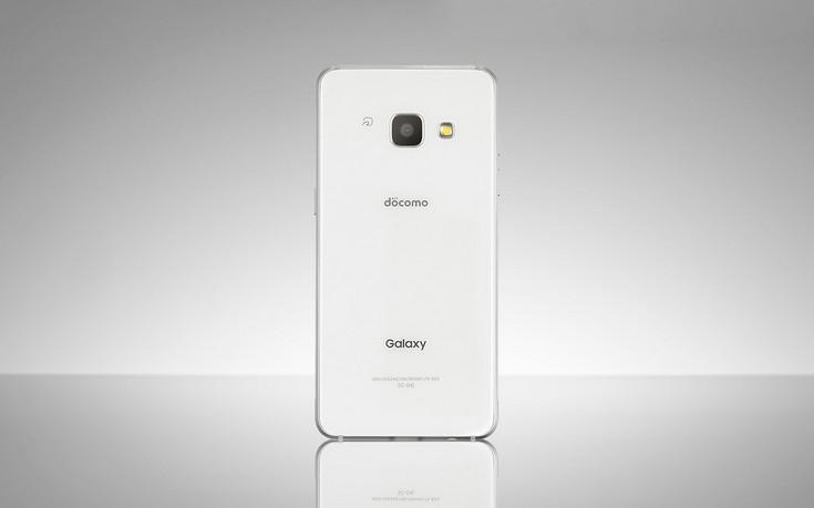 Samsung представила немного необычный смартфон Galaxy Feel