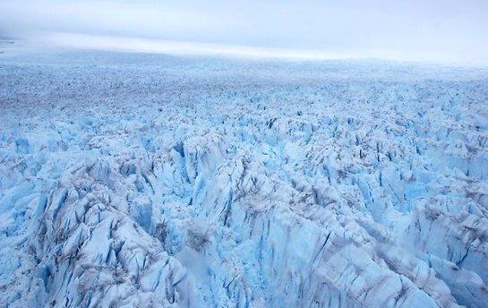 Сотрудники американских спецслужб считают, что в антарктических ледниках могут быть древние великаны