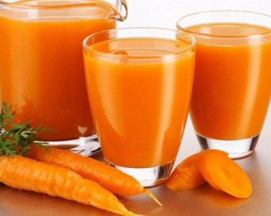 Для профилактики рака следует пить морковный сок