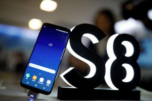 Смартфон Samsung Galaxy S8 продается у себя на родине вдвое быстрее, чем предшественники
