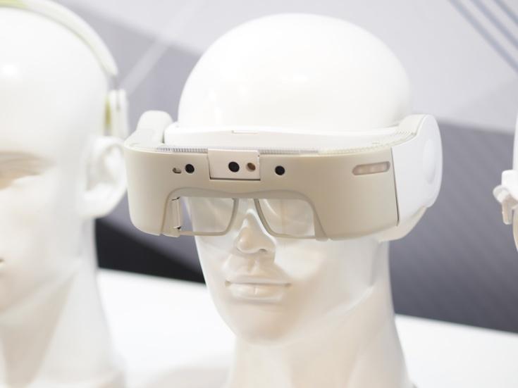 Очки J-Reality представляют собой самодостаточное устройство, не нуждающееся в подключении к ПК или смартфону