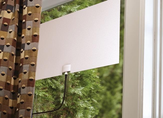 Комнатная антенна для телевизора Mohu принимает сигнал на расстоянии более 100 км