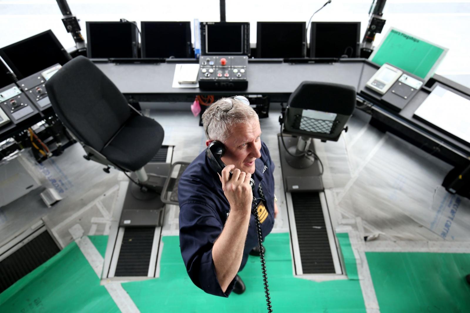 На борту нового британского авианосца работает Windows XP - 3