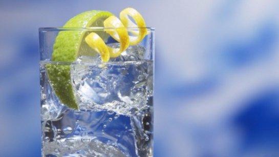Специалисты рассказали, что нельзя пить и есть в жаркое время