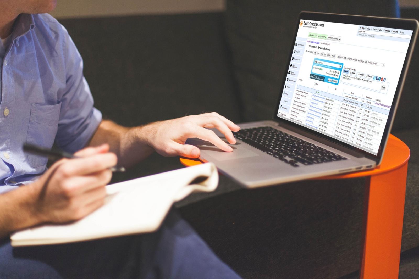 Интеграция ХостТрекера со Slack. Стабильность сайта: как держать всех в курсе - 1