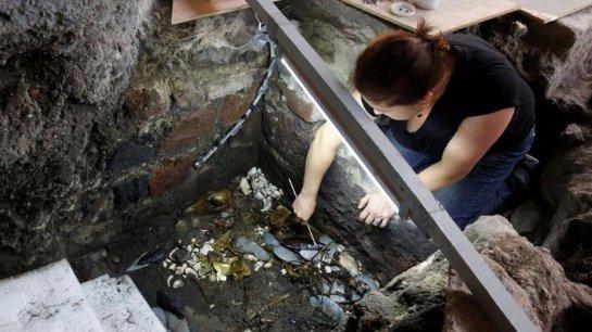 В Мексике нашли уникальную гробницу «золотого волка»