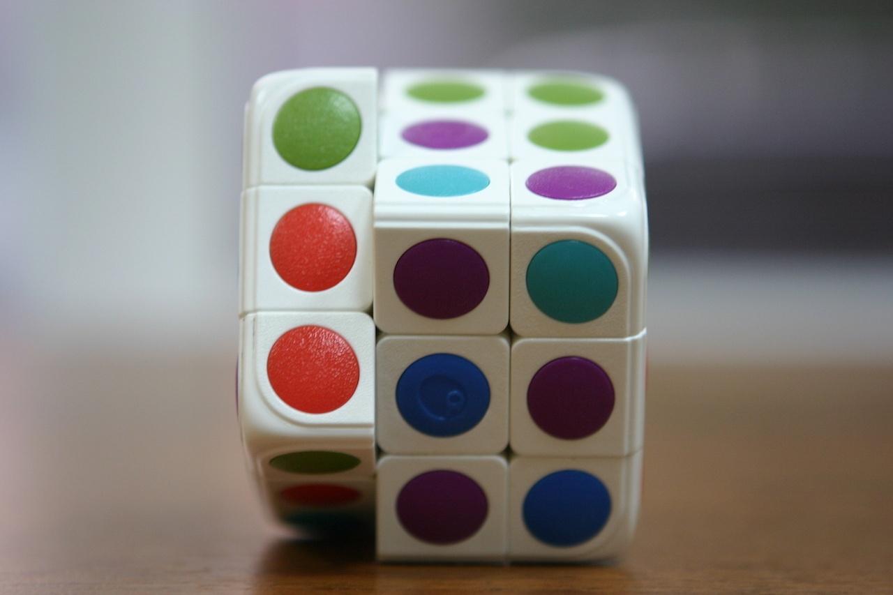 Умный кубик Рубика: теперь и он «синхронизируется» со смартфоном - 1