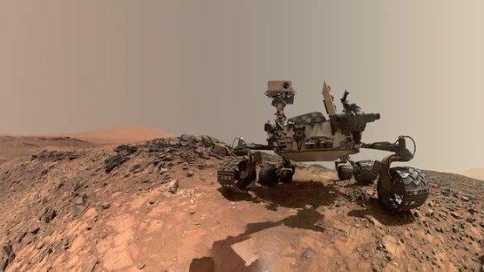 Граждан Земли все еще захватывают удивительные образы Марса