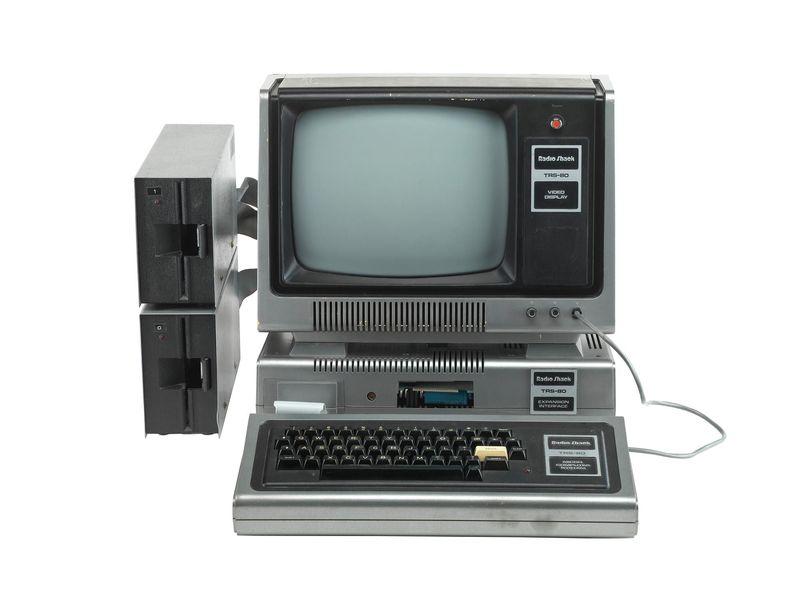 История железа: 40 лет назад в продажу поступил персональный компьютер TRS-80 - 1