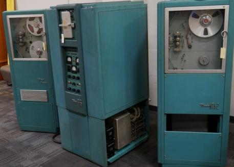 Первые персональные вычислительные машины: LPG-30, Bendix G-15 - 17