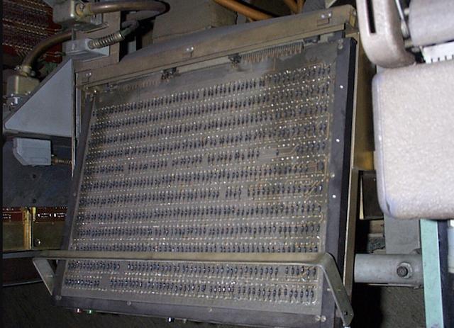 Первые персональные вычислительные машины: LPG-30, Bendix G-15 - 7