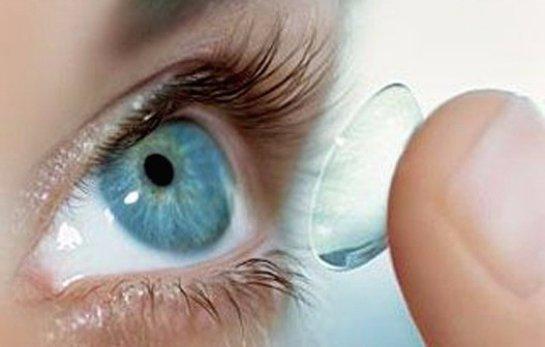 Ученые рассказали, что в обращении с контактными линзами является ошибкой