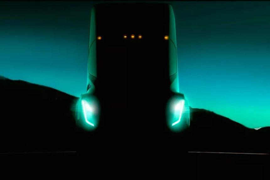 Электрический полуприцеп Tesla будет проезжать от 200 до 300 миль за один заряд