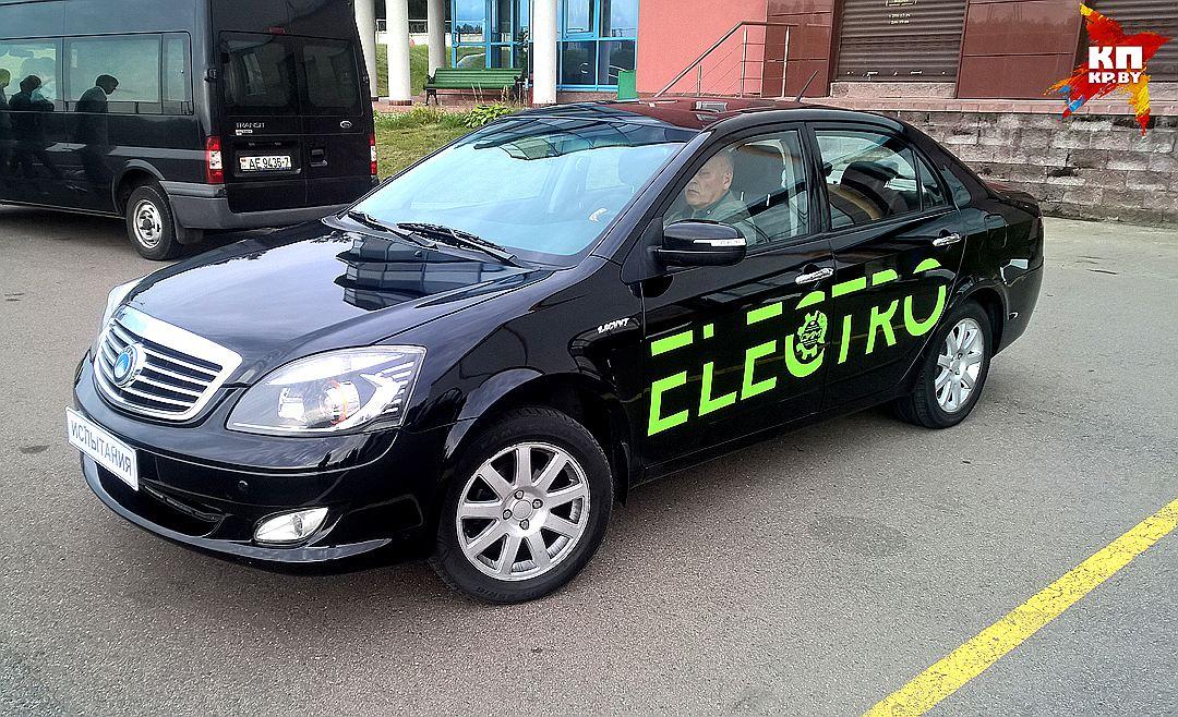 Лукашенко протестировал Tesla Model S и распорядился создать электромобиль по этому образцу - 3