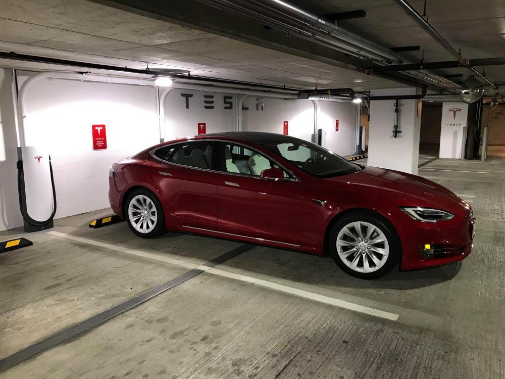Новый тип зарядных станций от Tesla - 6