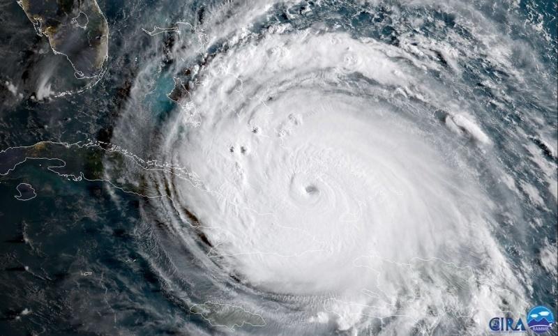 Под ударами стихии: Космический центр Кеннеди готовится к урагану «Ирма» - 1