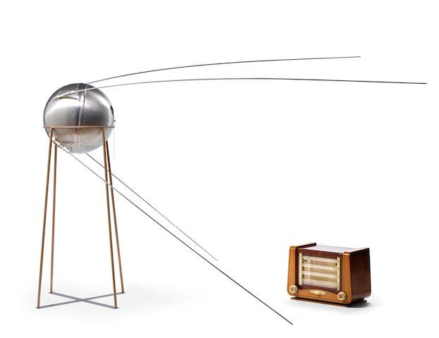В Нью-Йорке выставят на торги тестовый макет «Спутника-1» с радиомодулем внутри - 1
