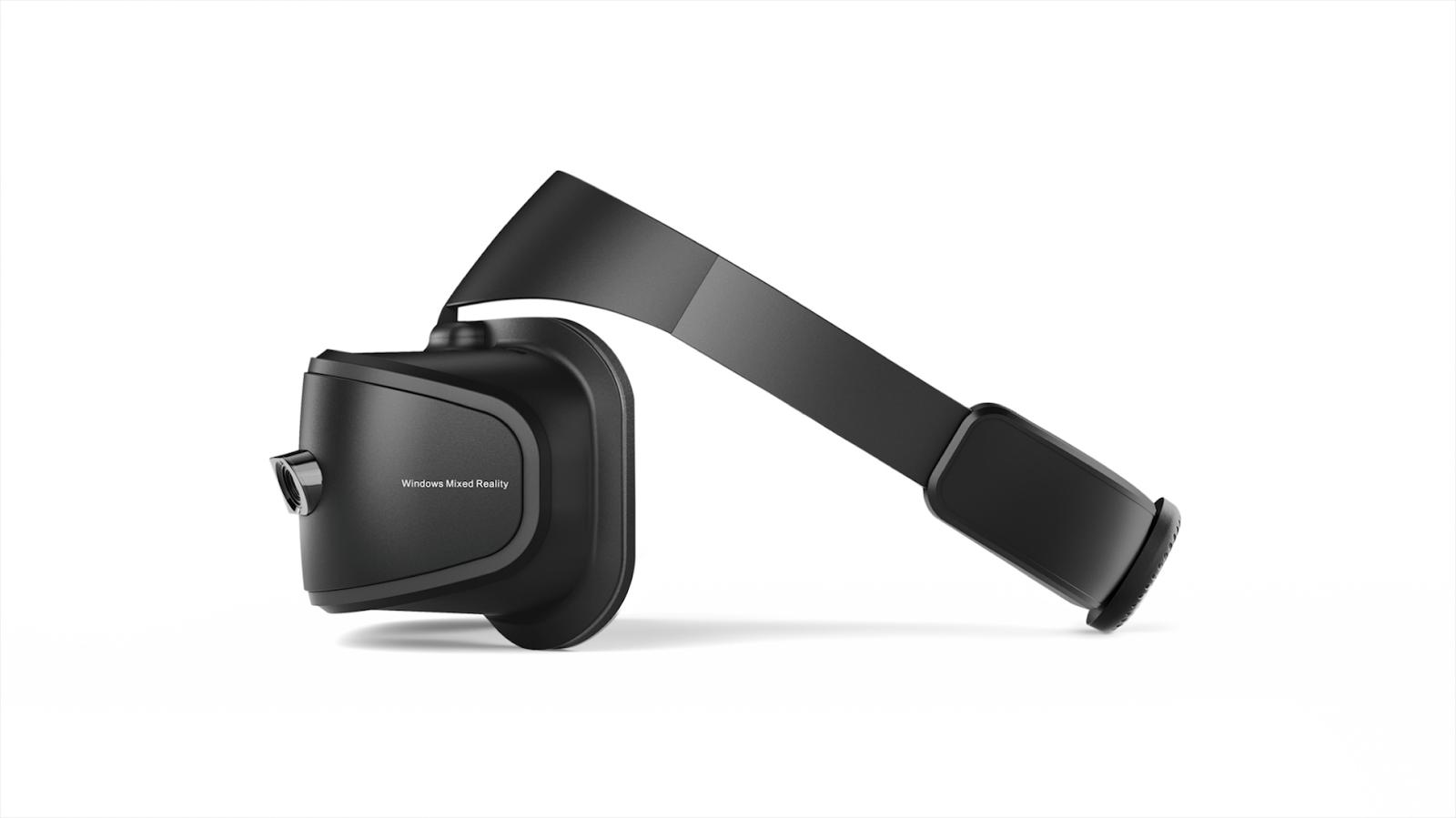 Виртуальная реальность со шлемом Lenovo Explorer - 2