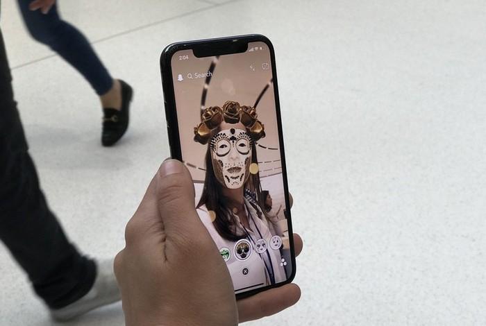 Проблемы на производстве камеры TrueDepth для iPhone X заставляют аналитиков вновь снижать прогнозы